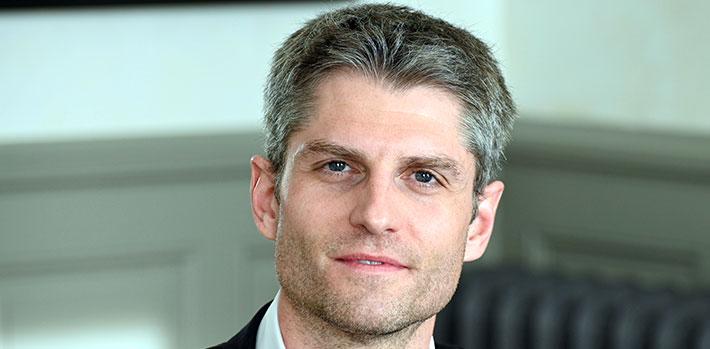 Dr Alexandre Brun, chirurgien esthétique à Valence
